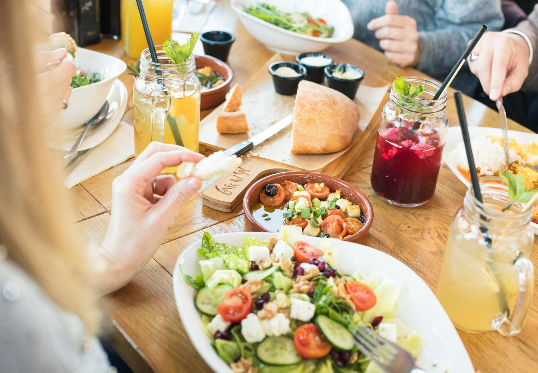 Trendy Mahlzeiten und Getränke